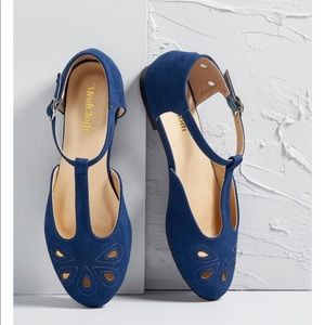 NWT and box ModCloth  blue sandal